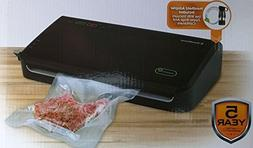 FoodSaver FM2100 Vacuum Sealing System with Starter Bag/Roll