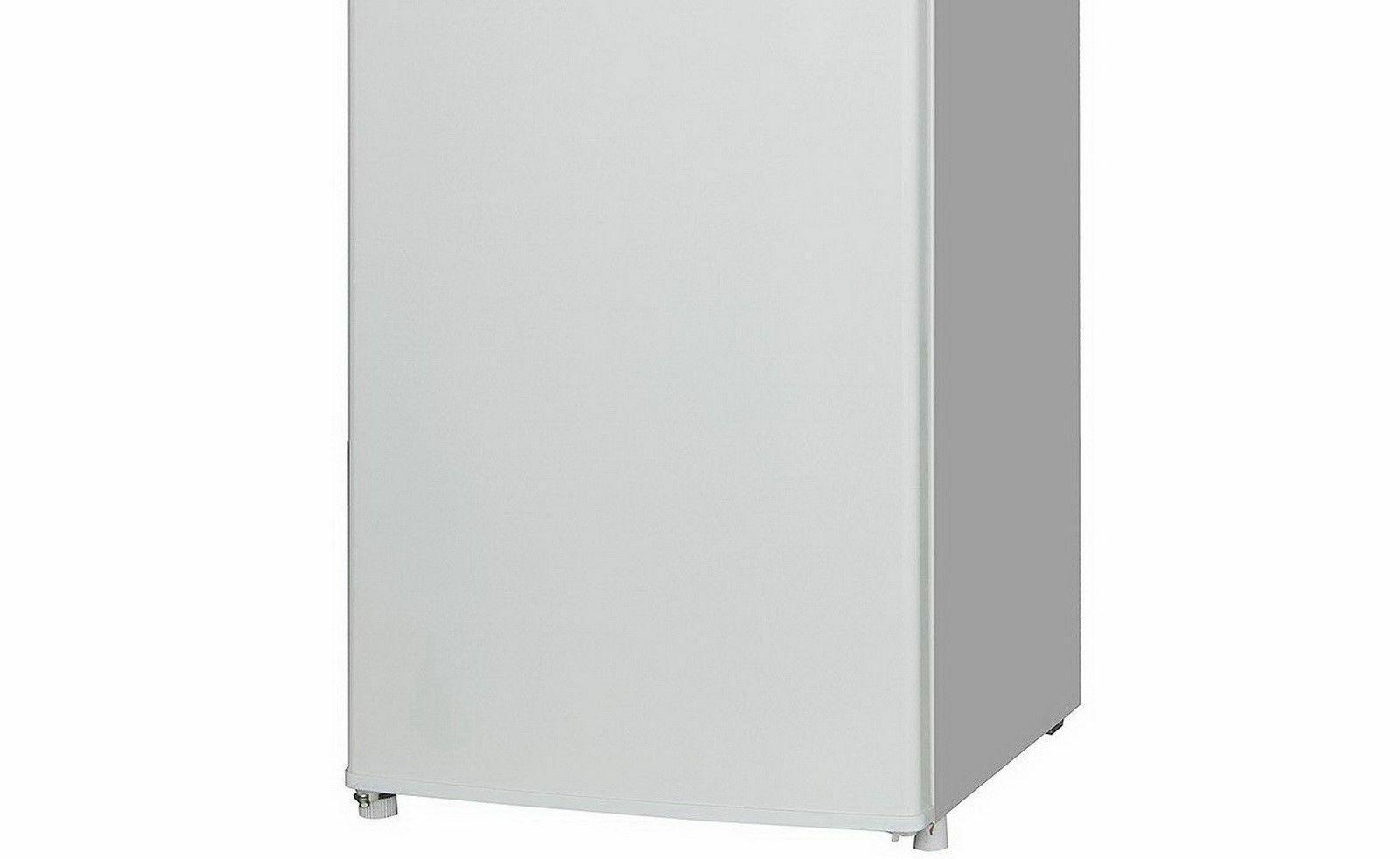 Upright Freezer 6.5 cu. ft. door